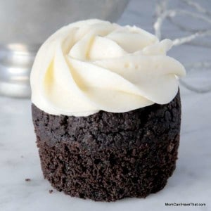 This German Buttercream Frosting is Low Carb, Gluten-free, Dairy-Free and silky smooth! | http://lowcarbmaven.com
