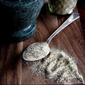 A Garlic & Herb Seasoning Blend that is so versatile it can be used in soups, savory crackers and crusts, in salad dressings or as a rub for grilled meats.| low carb, gluten-free, dairy-free, Paleo | lowcarbmaven.com