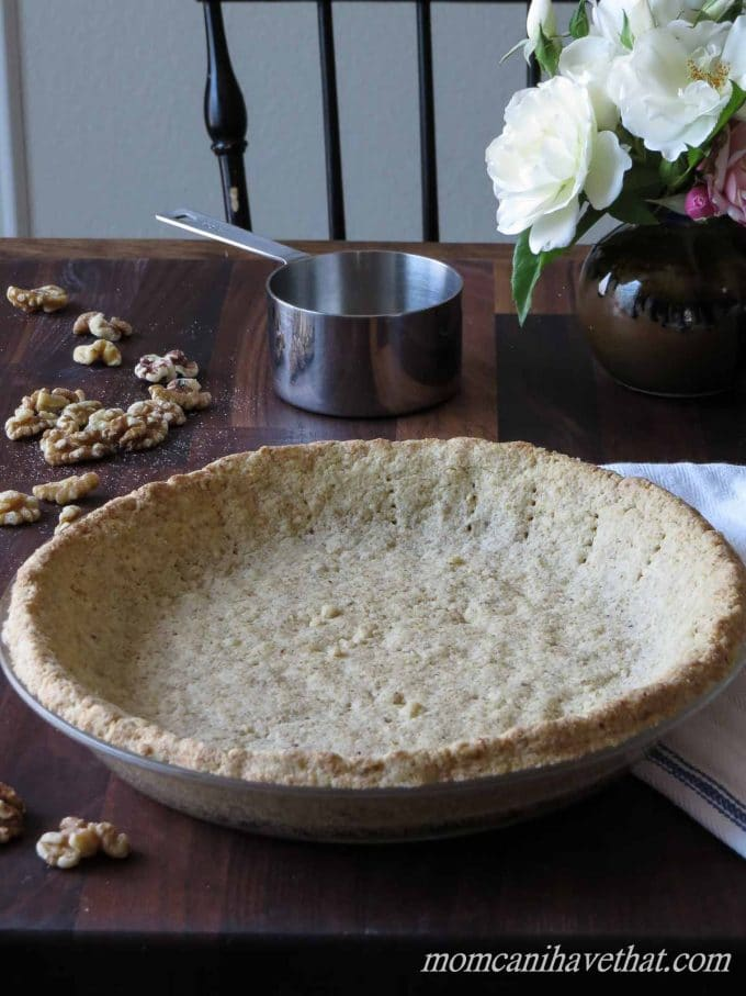This Low Carb Walnut Pie Crust is great for no-bake chocolate, cheesecake and pumpkin pies. It's super easy to make. | low carb, gluten-free, casein-free, lactose-free, paleo, keto | momcanihavethat