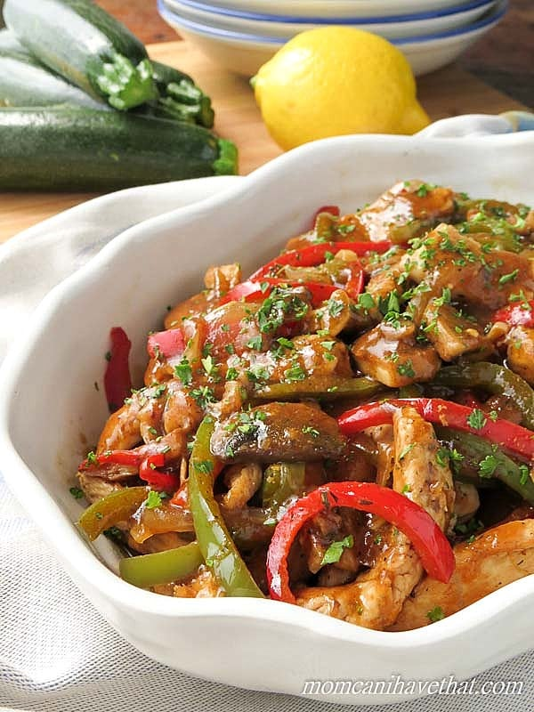 Low Carb Italian Chicken Cacciatore delivers great Italian-American flavor to your table with just 6 net carbs. | low carb, gluten-free, dairy-free. Paleo |lowcarbmaven.com