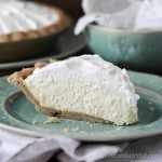 Low Carb Banana Cream Pie | low carb, gluten-free, keto | momcanihavehetat.com