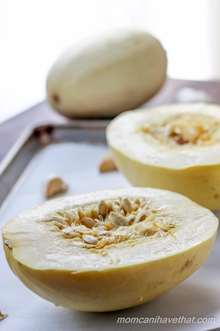 Spaghetti Squash with Garlic and Parsley - simple, wholesome ingredients deliver spectacular flavor | Low carb, Gluten-free, Dairy-free, Paleo, Keto, THM | lowcarbmaven.com