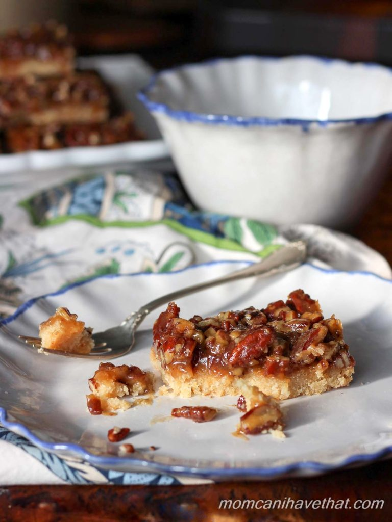 These low carb Caramel Pecan Pie Squares have the same sticky-buttery-sweet texture and flavor as your favorite pecan pie without the sugar or eggs. | low carb, gluten-free, keto, egg-free