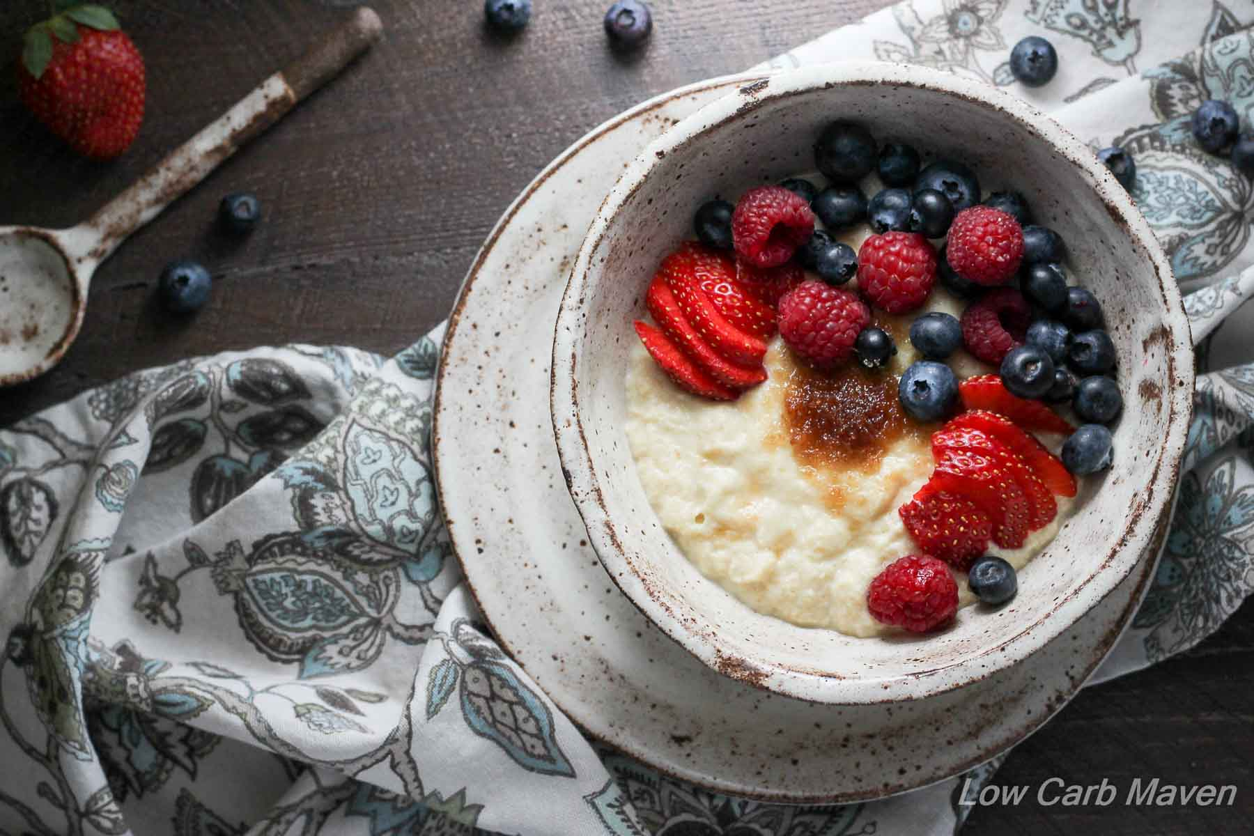 Low Carb Paleo Porridge with Berries (Almond Flour) | Low carb, Gluten-free, Dairy-free, Paleo, Keto, THM | LowCarbMaven.com