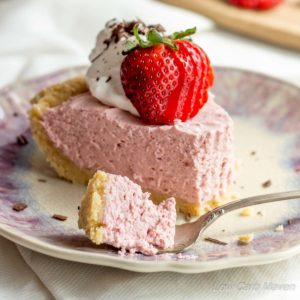 Easy No-Bake Strawberry Cream Pie (low carb, gluten free)