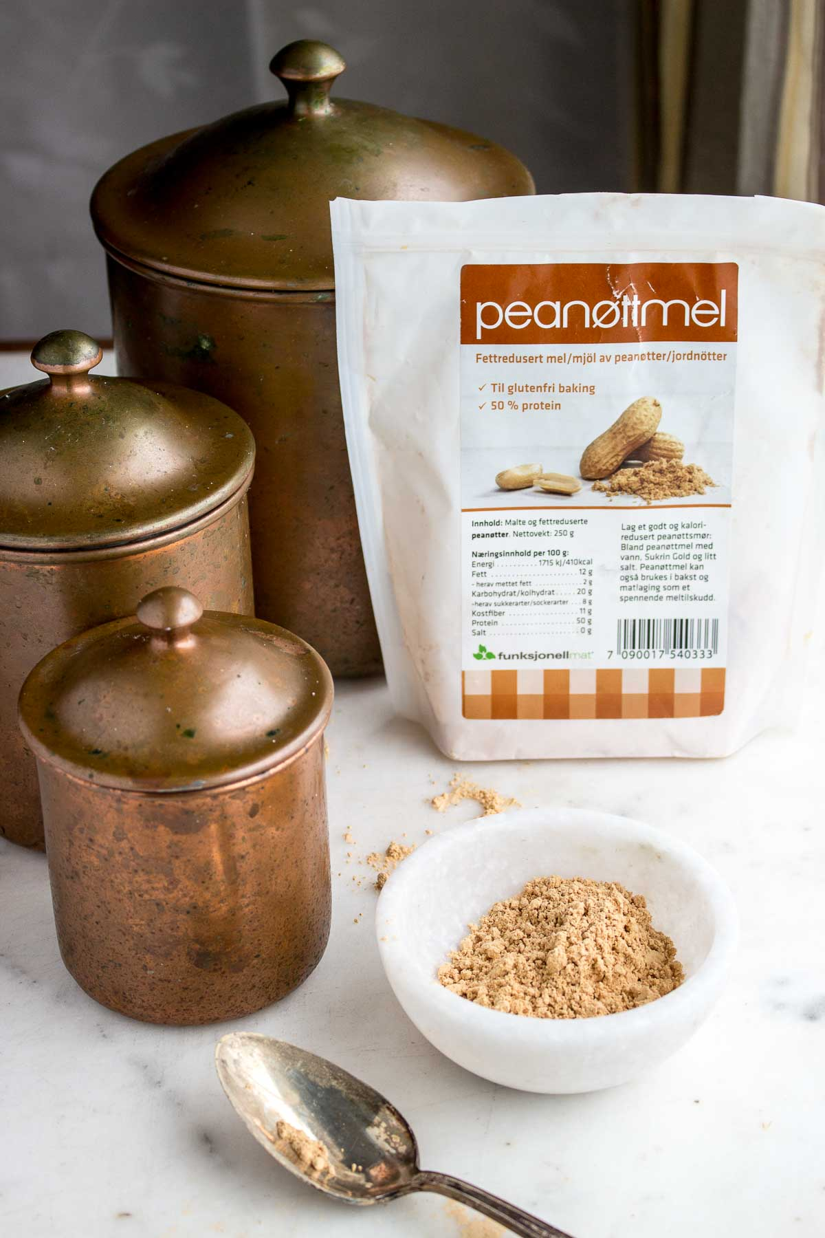 Use this Sukrin Peanut Flour in cakes, puddings & pie crusts or mix with water for a LC, LF, SF peanut butter!