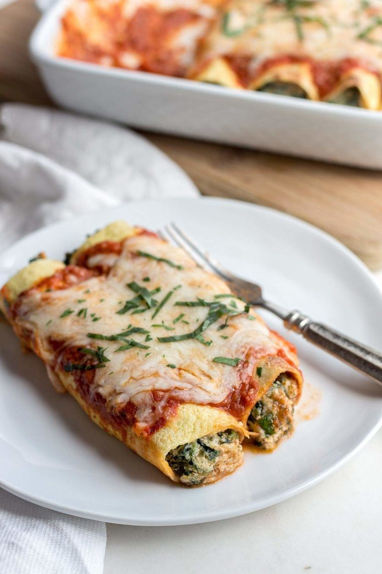 Low Carb Spinach Manicotti With Ricotta Cheese And Red Sauce