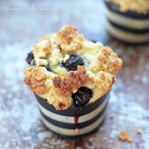 Blueberry Struessel Muffins - I Breathe I'm Hungry