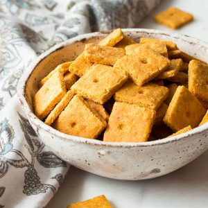 Low Carb Cheddar Cheese Crackers