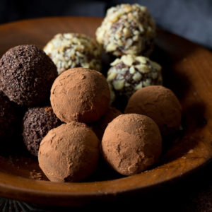 Sugar Free Chocolate Truffles (low carb, keto)