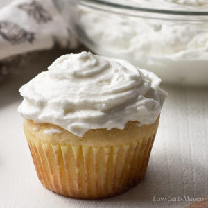 Whipped Cream Cheese Frosting (sugar-free, low carb)