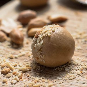 Low Carb Peanut Butter Balls (Protein Balls)