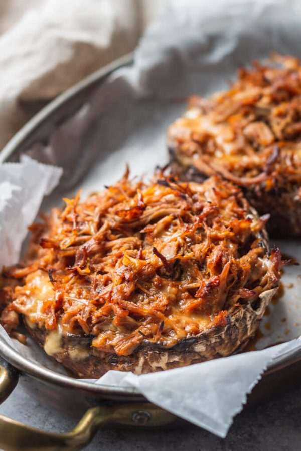 Pulled Pork Keto Stuffed Mushrooms. #pulledpork #stuffedmushrooms #stuffedportobello #portobellomushrooms #lowcarb #keto