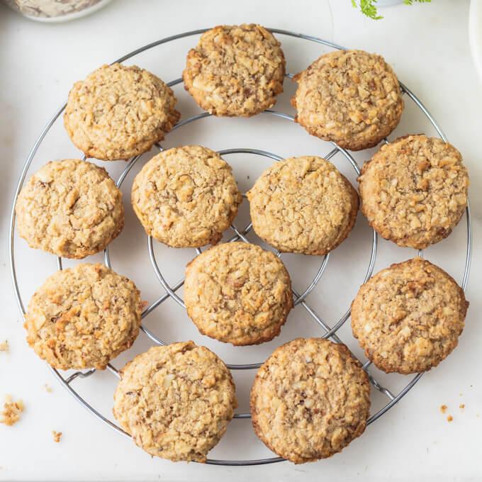 Sugar Free Oatmeal Cookies Low Carb Keto Low Carb Maven