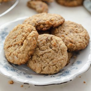 "Sugar-Free ""Oatmeal Cookies"" (Low Carb, Keto)"