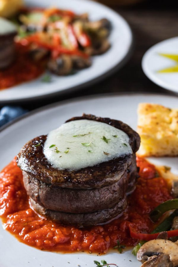 This deconstructed Filet Mignon Steak Pizzaiola is a standout Italian meal. #steakpizzaiola #pizzaiola #filetmignon #lowcarb #keto